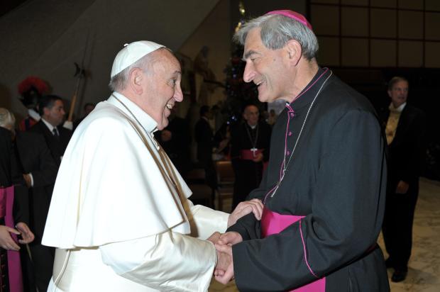 Mgr-Dufour-avec-le-pape-François